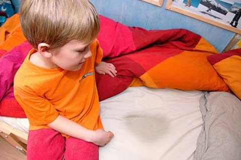 chữa đái dầm cho trẻ nhỏ